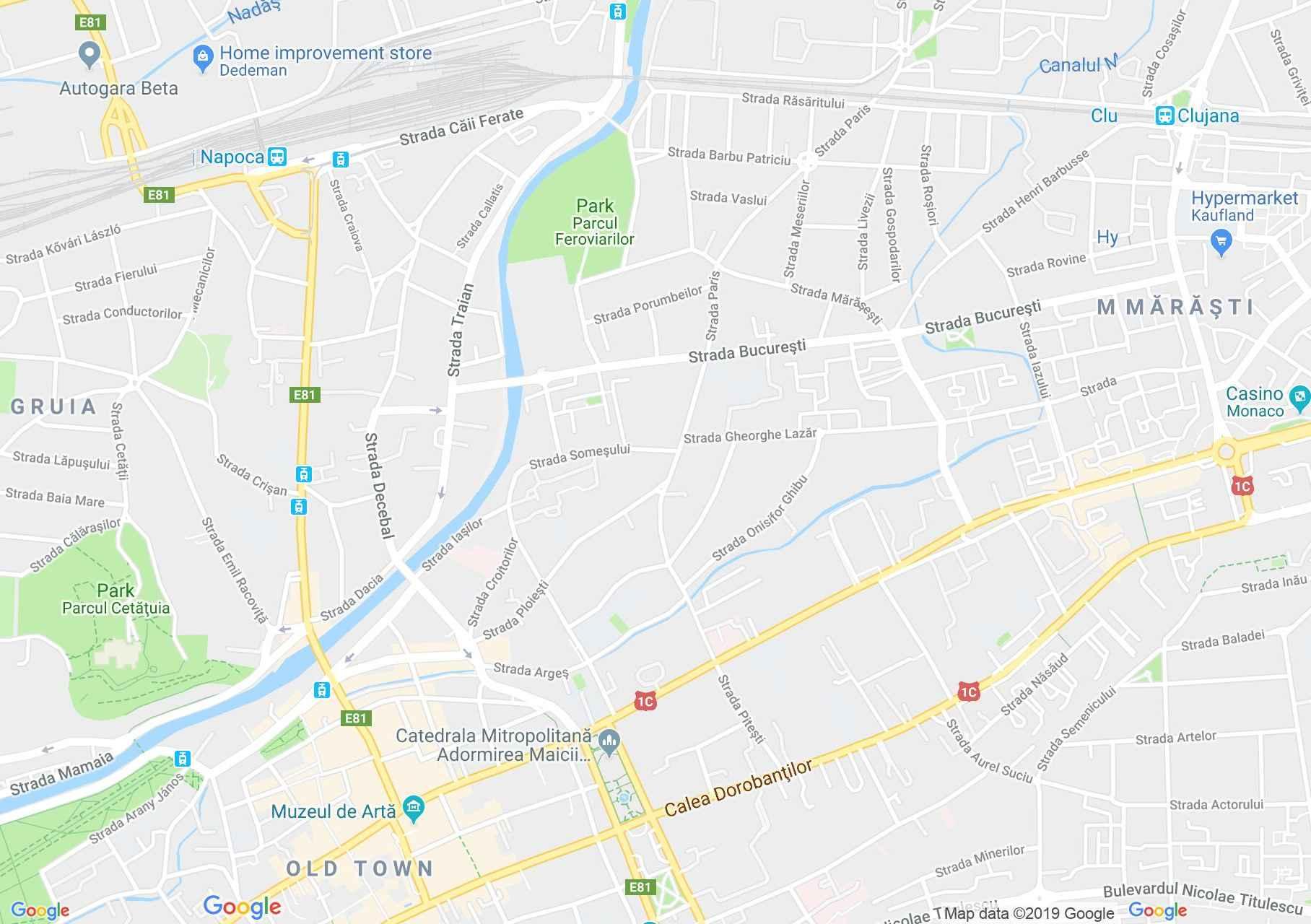 Hartă Cluj-Napoca: Biserica Reformată cu două turnuri